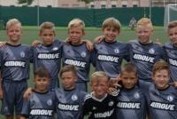 Siedmiu chłopców z Legia Soocer Schools w APLW U10!