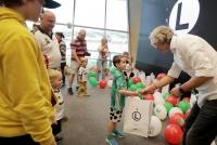 Młodzi jubilaci odebrali prezenty i dopingowali Legię! [WIDEO]
