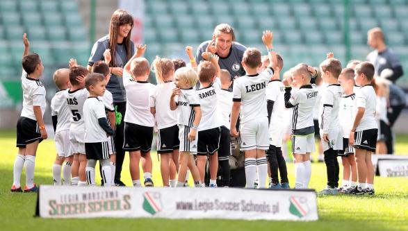 Start sezonu Legia Schools na głównej płycie! (VIDEO)